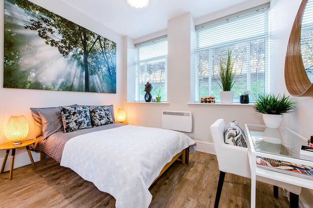 2 bed flat to rent in Rosebery Ave, Islington, London