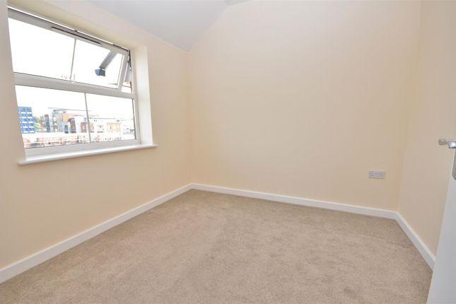 Bedroom 2 of Holly Street, Luton LU1
