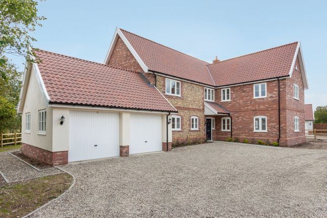 Thumbnail Detached house for sale in Attleborough Road, Caston, Attleborough