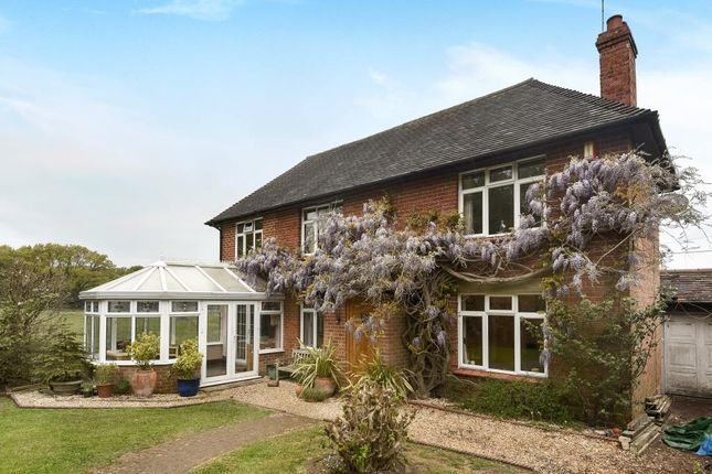 Thumbnail Cottage for sale in Bucklebury, Reading