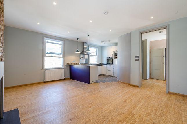 Thumbnail Flat to rent in Lambert Road, London