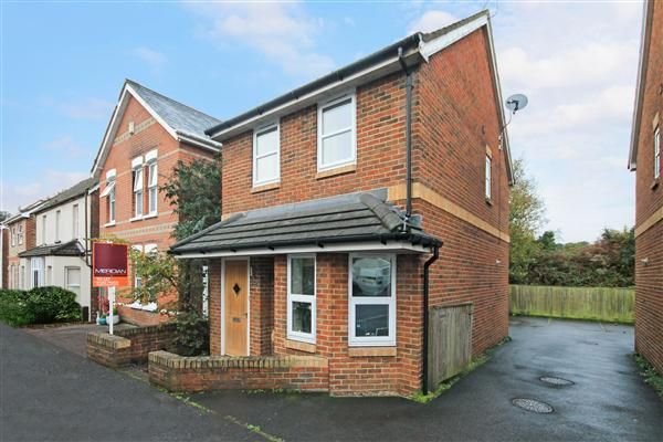 Thumbnail Detached house to rent in Lodge Close, Parkstone, Poole