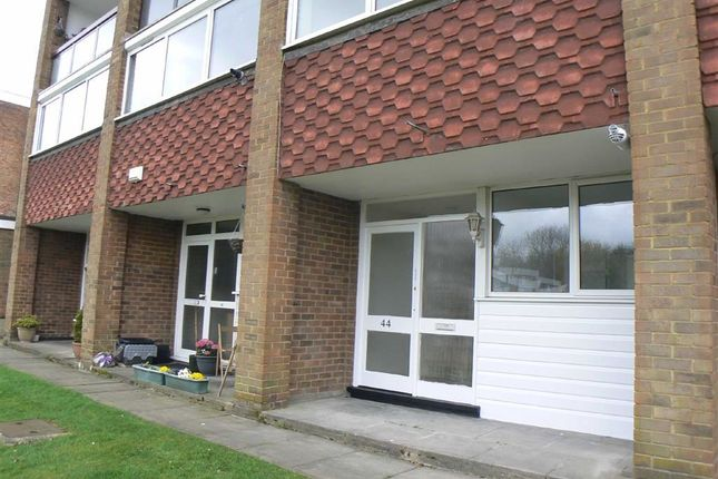 Thumbnail Flat to rent in Edgewood Drive, Green Street Green, Orpington
