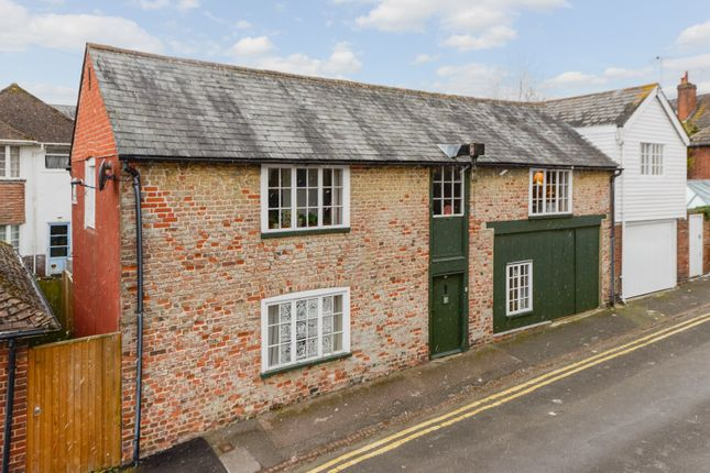 2 bed property to rent in New Street, Canterbury