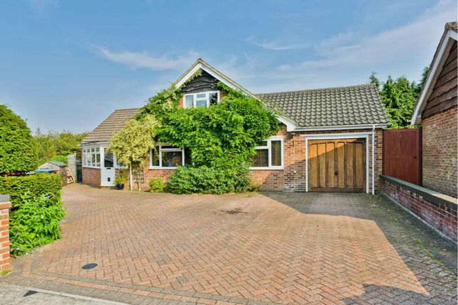 Thumbnail Detached house for sale in Manor Close, Warlingham