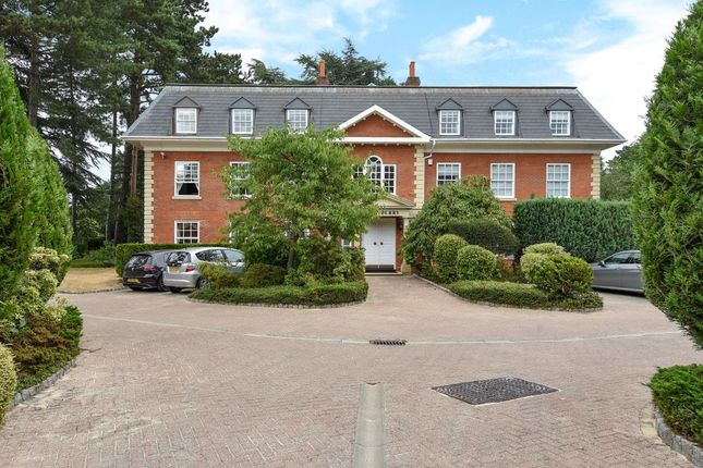 Thumbnail Flat for sale in Turnberry House, Cross Road, Sunningdale, Berkshire