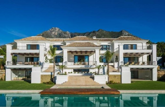 Thumbnail Villa for sale in Milla De Oro - Marbella Club, Marbella, Andalucia, Spain