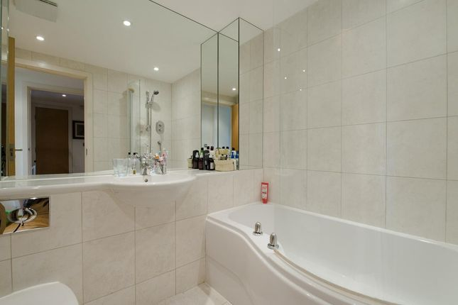 Bathroom of Crystal Wharf, 36 Graham Street, Islington, London N1