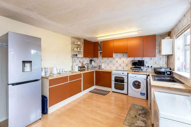 Kitchen of Elizabeth Drive, Tring HP23