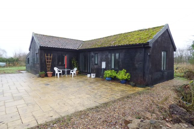 Thumbnail Cottage to rent in Harris Green, Hardwick, Norwich