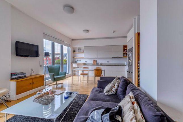 2 bed flat for sale in Turnmill Street, London EC1M