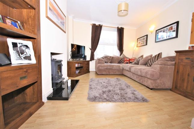 Thumbnail Property to rent in Durham Rise, Plumstead