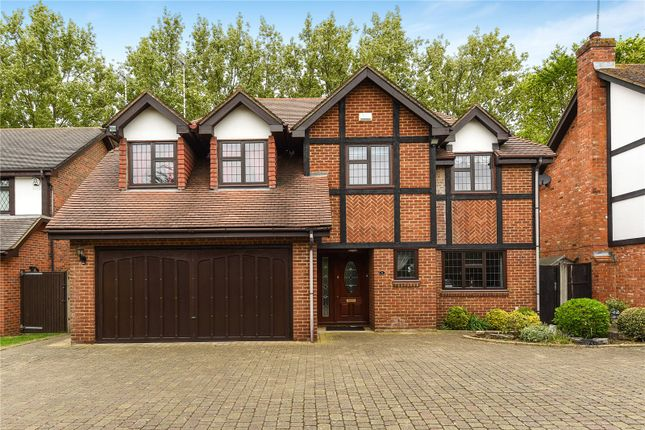 Thumbnail Property for sale in Acorn Close, Stanmore, Middlesex