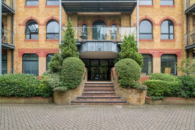2 Bed Flat For Sale In Heritage House 21 Inner Park Road London