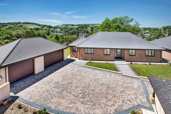 Thumbnail Detached bungalow for sale in Ashleigh Park, Bampton, Tiverton