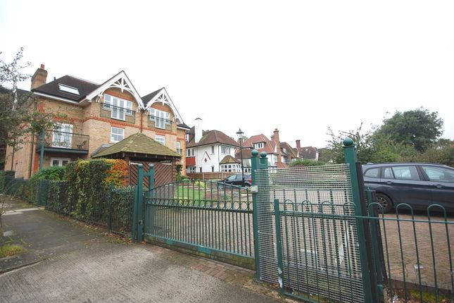 Picture No. 08 of Golda Court, St. Mary's Avenue, Finchley N3