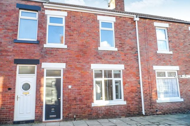 Thumbnail Terraced house to rent in Simonside Terrace, Newbiggin-By-The-Sea
