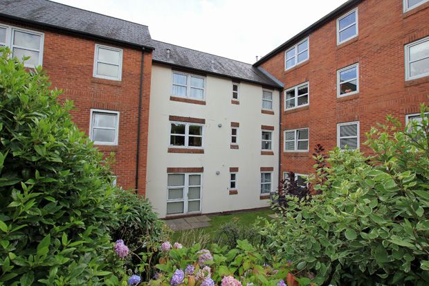 1 bed flat for sale in Ty Rhys, Nos 1-5 The Parade, Carmarthen, Carmarthenshire
