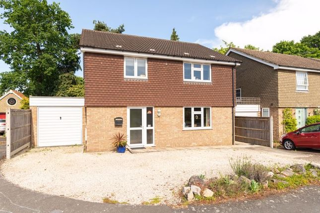 4 bed detached house to rent in Hurley Close, Walton-On-Thames KT12