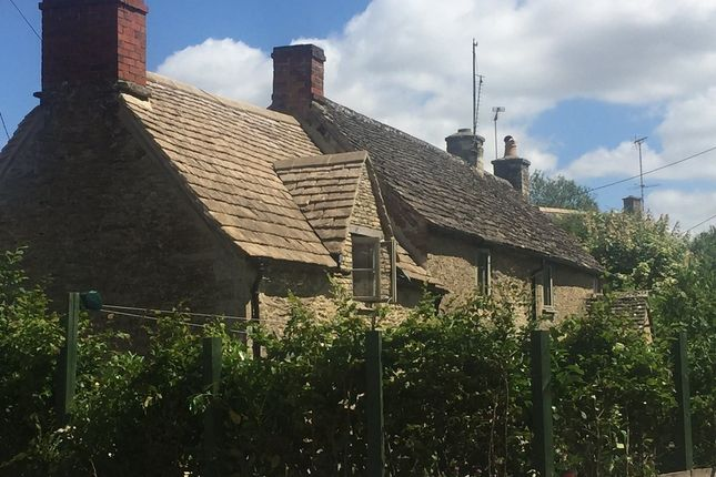 Thumbnail Cottage for sale in London Road, Poulton