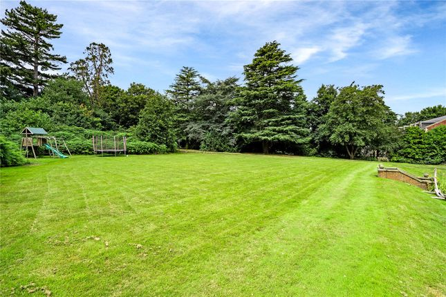 Garden of Birstall Road, Birstall, Leicester, Leicestershire LE4