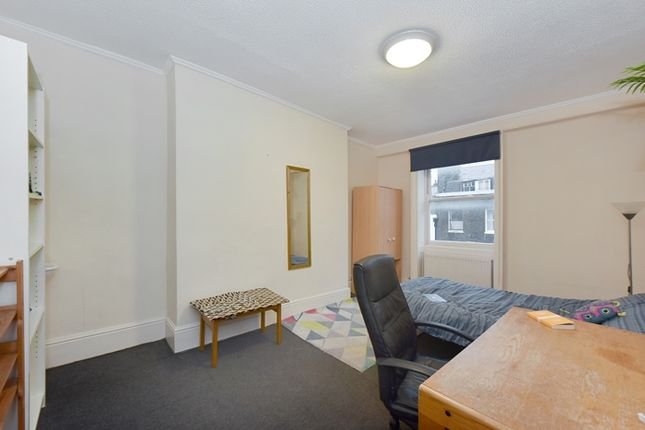 Thumbnail Property to rent in Guilford Street, Camden