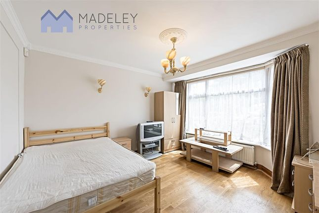 Thumbnail Property to rent in Cloister Road, London