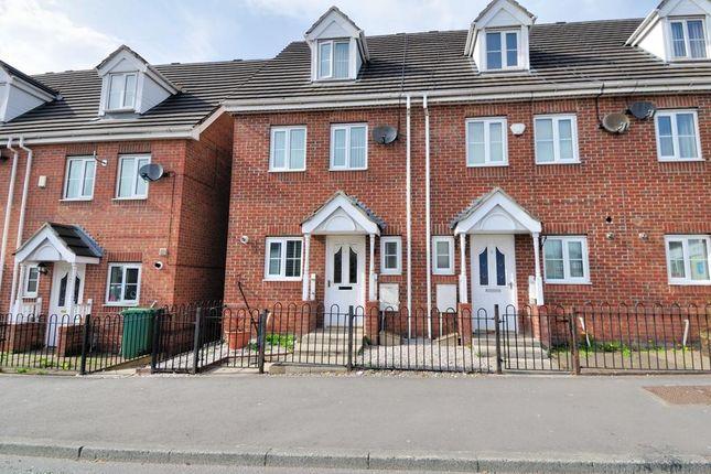 Thumbnail Mews house to rent in The Heys, Ashton Under Lyne, Tameside, Greater Manchester