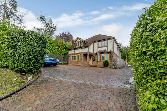 4 bed detached house to rent in Wyatts Road, Chorleywood, Rickmansworth WD3