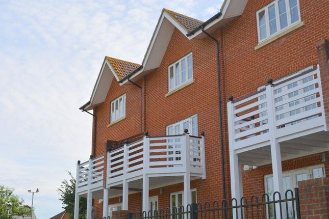 Thumbnail Maisonette to rent in London Road, Marlborough