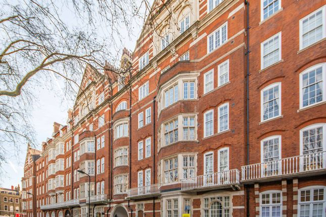 Thumbnail Flat to rent in Bedford Court Mansions, Bloomsbury