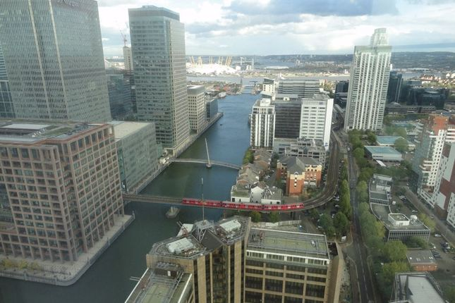 Thumbnail Flat to rent in Landmark East Tower, 24 Marsh Wall, London