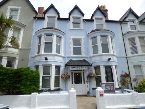 Thumbnail Hotel/guest house for sale in Arvon Avenue, Llandudno, Conwy, North Wales