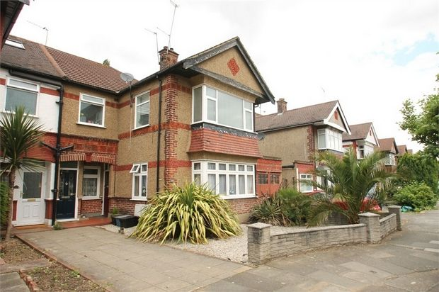 Thumbnail Flat for sale in Lechmere Avenue, Woodford Green