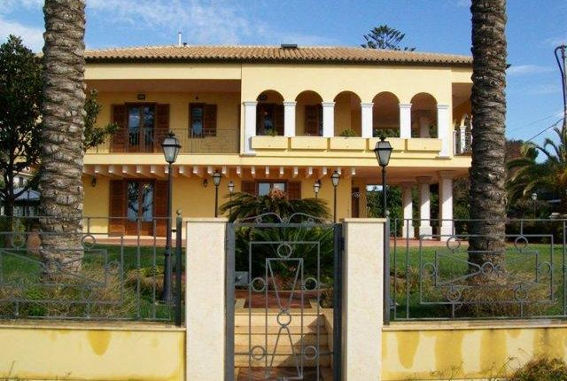 Property for sale in Marina Villa, Marina di Ragusa, Sicily