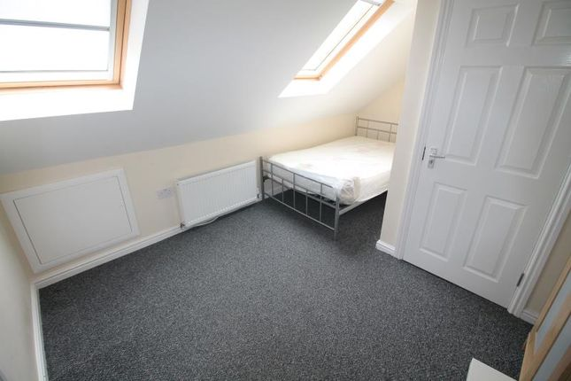 Thumbnail Shared accommodation to rent in Richmond Road, Cathays, Cardiff