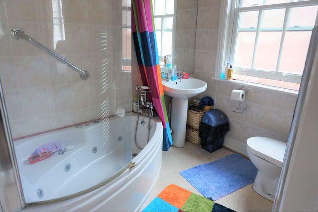 En-Suite of Kenilworth Road, St. Leonards-On-Sea TN38