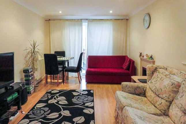 2 bed flat for sale in Cobden Avenue, Southampton