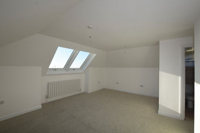 Master Bedroom of Kingfisher Drive, Exeter EX4