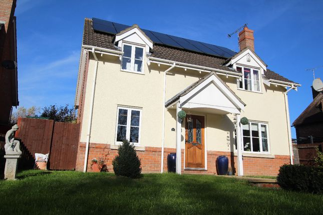 Thumbnail Detached house for sale in Hanchett End, Haverhill