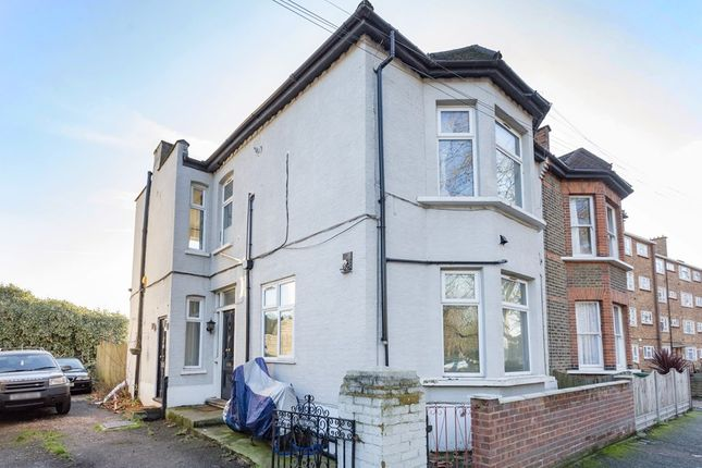 Thumbnail Maisonette for sale in Forest View Road, London
