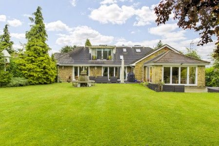 Thumbnail Detached house for sale in Church Road, Little Berkhamsted, Hertford