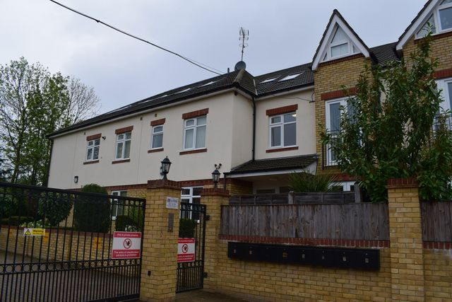 Thumbnail Flat to rent in Whitefriars Drive, Harrow Weald
