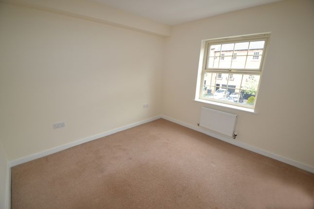 Thumbnail Flat to rent in Farnley Road, Balby, Doncaster