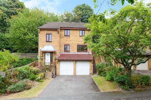 Thumbnail Detached house for sale in Kingswood Drive, London