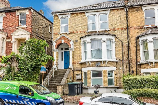 Thumbnail Flat to rent in Ferme Park Road, London