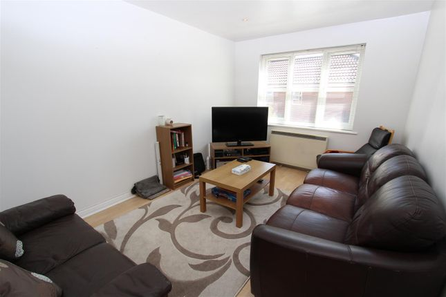 Thumbnail Maisonette to rent in Homefield Close, Yeading, Hayes