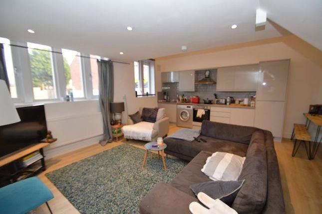 2 bed flat to rent in Hazelwell Street, Stirchley, Birmingham B30