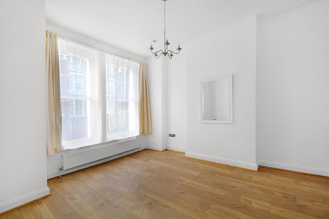 Thumbnail Terraced house to rent in New Kings Road, London