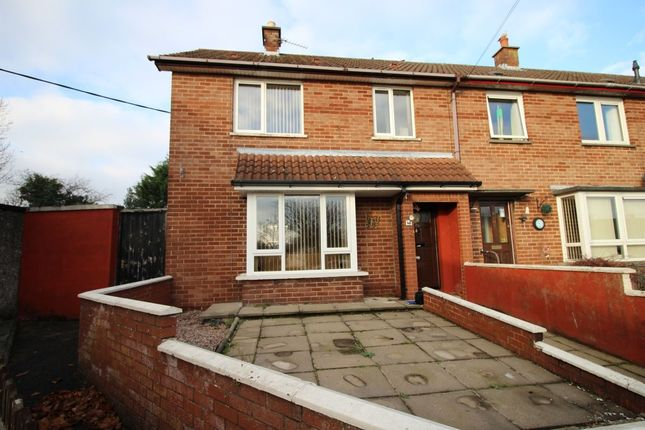 Thumbnail Terraced house to rent in Grovehill Avenue, Lisburn